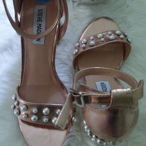 STEVE MADDEN  rose gold pearl sandal 7.5M